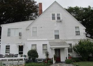 Pre Foreclosure in Portsmouth 02871 E MAIN RD - Property ID: 1513451719