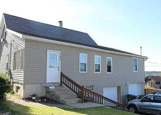 Pre Foreclosure in Ellwood City 16117 S 4TH ST - Property ID: 1513829243