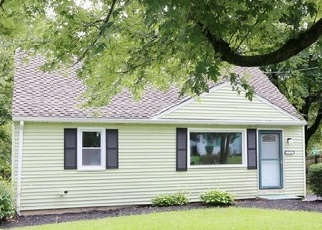 Pre Foreclosure in Harrisburg 17109 GLENSIDE DR - Property ID: 1513892316