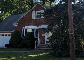 Pre Foreclosure in Roselle Park 07204 MAPLEWOOD AVE - Property ID: 1513896252