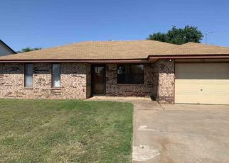 Pre Foreclosure in Lahoma 73754 CHRISTY DR - Property ID: 1514190577