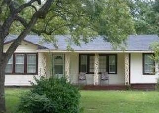 Pre Foreclosure in Kenansville 28349 SEMINARY ST - Property ID: 1514515106