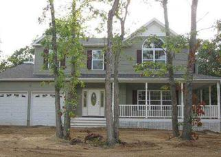 Pre Foreclosure in Yaphank 11980 WILLIAMSBURG WAY - Property ID: 1514669274