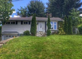 Pre Foreclosure in Waterbury 06704 SANTORO ST - Property ID: 1515007847