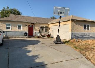 Pre Foreclosure in Rialto 92376 E MCKINLEY ST - Property ID: 1515138801