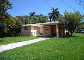 Pre Foreclosure in Miami 33162 NE 160TH ST - Property ID: 1515436620
