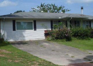 Pre Foreclosure in Pleasant Grove 35127 9TH AVE - Property ID: 1515891676