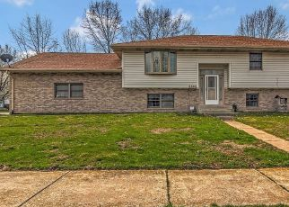 Pre Foreclosure in Portage 46368 CARNATION AVE - Property ID: 1516156649
