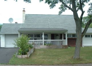 Pre Foreclosure in Levittown 19057 VERDANT RD - Property ID: 1516991873