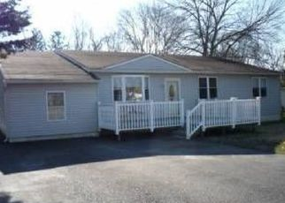 Pre Foreclosure in Williamstown 08094 THOMAS AVE - Property ID: 1517051422