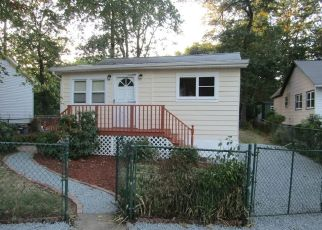 Pre Foreclosure in Hopatcong 07843 NORTHWESTERN TRL - Property ID: 1517129827