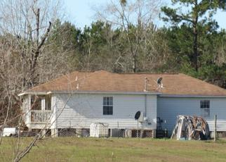 Pre Foreclosure in Slocomb 36375 STEWART RD - Property ID: 1517200783
