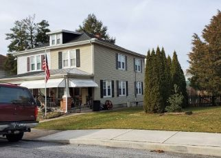 Pre Foreclosure in Mount Wolf 17347 S 4TH ST - Property ID: 1517264271