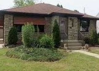 Pre Foreclosure in Milwaukee 53219 S 80TH ST - Property ID: 1517357115