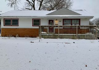 Pre Foreclosure in Milwaukee 53222 W LYNMAR TER - Property ID: 1517380789