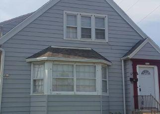 Pre Foreclosure in Milwaukee 53218 W HAMPTON AVE - Property ID: 1517383857