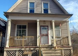 Pre Foreclosure in Milwaukee 53212 N RICHARDS ST - Property ID: 1517401811