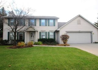 Pre Foreclosure in Green Bay 54313 RENAISSANCE LN - Property ID: 1517470566
