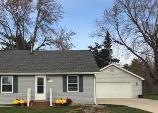 Pre Foreclosure in Appleton 54914 W HEATHER AVE - Property ID: 1517513483