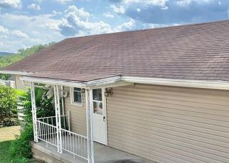 Pre Foreclosure in Waynesburg 15370 1/2 RACE ST - Property ID: 1517749109