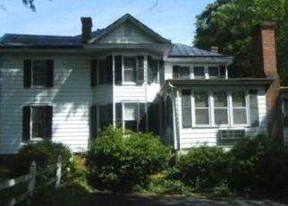 Pre Foreclosure in Farmville 23901 SECOND AVE - Property ID: 1517763122