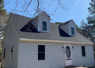 Pre Foreclosure in Tappahannock 22560 DESHA RD - Property ID: 1518228703