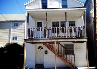 Pre Foreclosure in Cohoes 12047 MANN AVE - Property ID: 1518365790