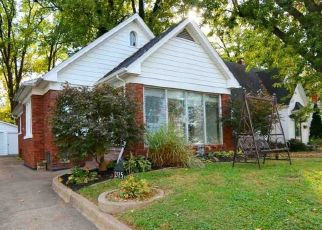 Pre Foreclosure in Evansville 47714 E CHANDLER AVE - Property ID: 1518461705