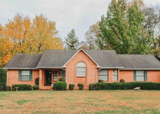 Pre Foreclosure in Cookeville 38506 STRATFORD DR - Property ID: 1518785357
