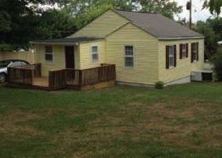 Pre Foreclosure in Knoxville 37912 CENTRAL VIEW RD - Property ID: 1518790624
