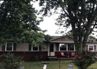 Pre Foreclosure in Crossville 38555 TOWN BRANCH ST - Property ID: 1518853693