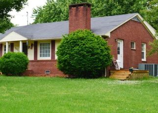 Pre Foreclosure in Paris 38242 LANKFORD RD - Property ID: 1518964495
