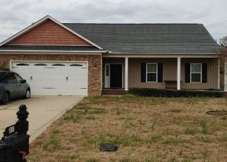 Pre Foreclosure in Raeford 28376 OAKRIDGE DR - Property ID: 1519371371