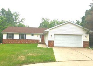 Pre Foreclosure in Peoria 61604 W BRIARCLIFFE LN - Property ID: 1520458875