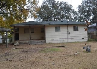 Pre Foreclosure in Oklahoma City 73110 HIGHLAND RD - Property ID: 1521024733