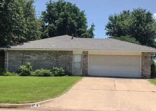 Pre Foreclosure in Oklahoma City 73139 BROOKWOOD DR - Property ID: 1521027798