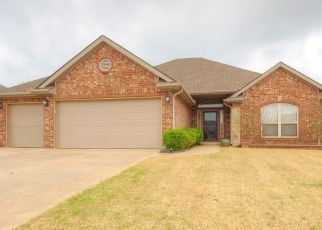 Pre Foreclosure in Mustang 73064 W BROADPOINT COURT WAY - Property ID: 1521046178
