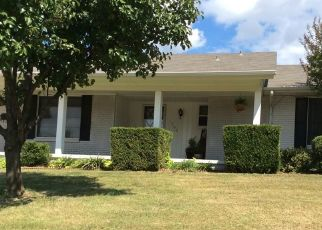 Pre Foreclosure in Edmond 73013 HARDY DR - Property ID: 1521079923