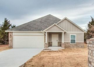 Pre Foreclosure in Edmond 73034 WOODCHUCK CT - Property ID: 1521149997