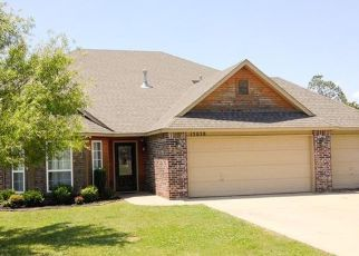 Pre Foreclosure in Oologah 74053 BAREBACK DR - Property ID: 1521176255