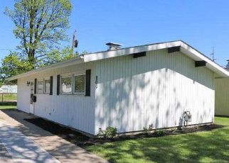 Pre Foreclosure in Maumee 43537 VILLAGE TRAIL DR - Property ID: 1521256860