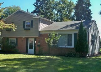 Pre Foreclosure in Toledo 43614 TREELAWN DR - Property ID: 1521259928