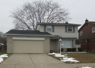 Pre Foreclosure in Southfield 48076 SUTHERLAND ST - Property ID: 1521329108