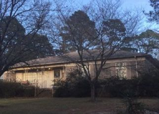 Pre Foreclosure in Fayetteville 28304 PAISLEY AVE - Property ID: 1521436872