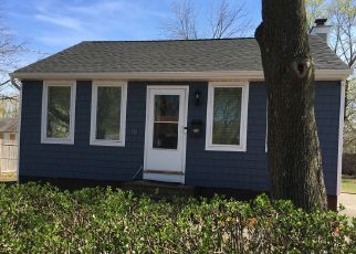 Pre Foreclosure in Wyandanch 11798 E BOOKER AVE - Property ID: 1521614678