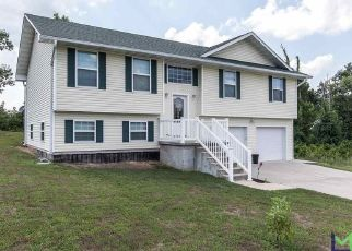 Pre Foreclosure in Poplar Bluff 63901 AUBURN RD - Property ID: 1522304481