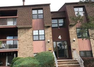 Pre Foreclosure in Woodbridge 07095 POWDERHORN CT - Property ID: 1522977206
