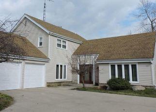 Pre Foreclosure in Toledo 43614 CHADBURY LN - Property ID: 1523067883