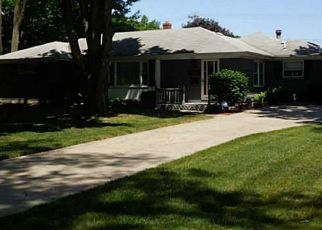 Pre Foreclosure in Toledo 43613 PAWNEE RD - Property ID: 1523072247
