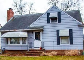 Pre Foreclosure in Cleveland 44130 GLENRIDGE AVE - Property ID: 1523283801